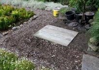 Unterbau aus Steinplatten