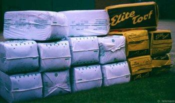 Torfsäcke für das Moorbeet